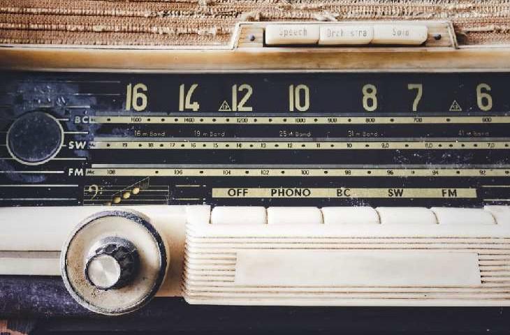 FM-radio-730x480